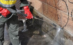 pressure-cleaning